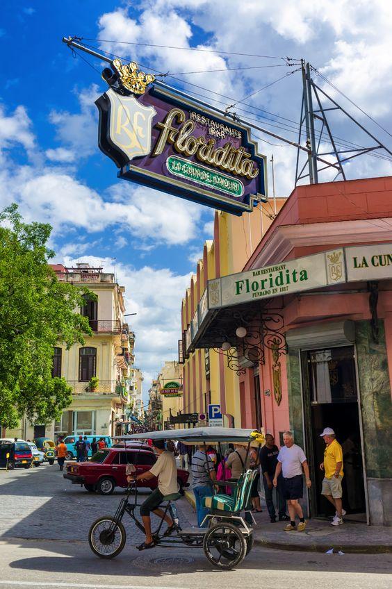 Floridita, un paso obligado con buena música en La Habana Vieja